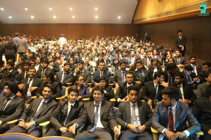 IMNU students attending seminar by Zoomcar VP